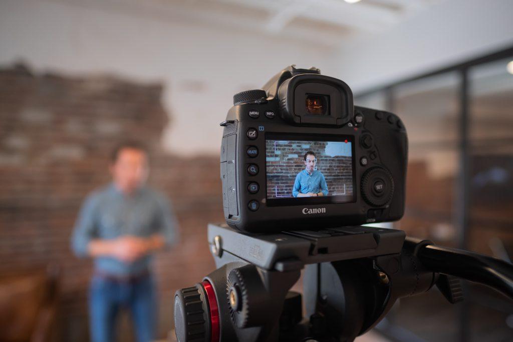 video-moentization